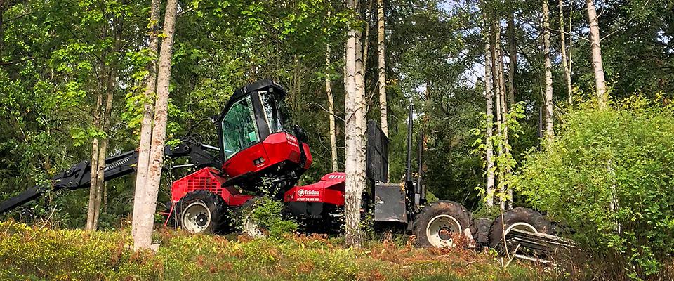 Vår skördare / Skotare för skogsaverkning, typ tomt, parker, runt bostadsområden.